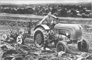 Porsche Traktor A 133 mit Anhängepflug