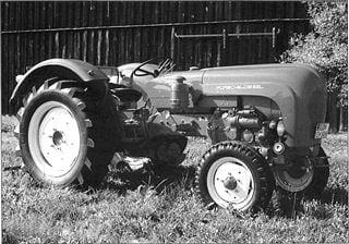 Porsche Traktor Standard Star 219 Seitenansicht
